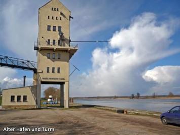 Alter-Hafen-und-Turm