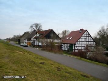 Fachwerkhaeuser-Zollbruecke1