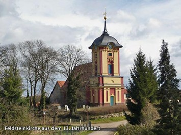 Feldsteinkirche-aus-dem-13.-Jahrhundert