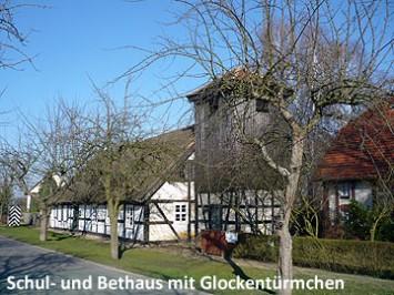 Schul und Bethaus mit Glockentuermchen 360