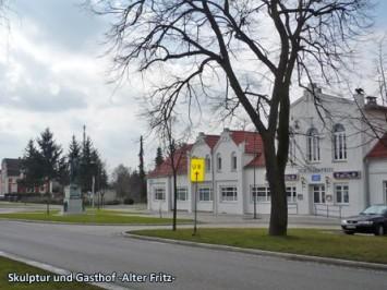 Skulptur-und-Gasthof--Alter-Fritz-