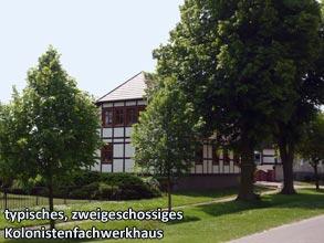 typisches-zweigeschossiges-Kolonistenfachwerkhaus